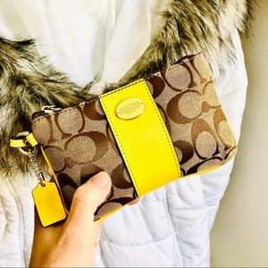 COACH⚡️Auth Signature Yellow Leather Trim Wristlet